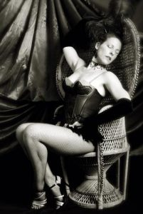burlesque-georgina
